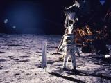 Нил Армстронг на Месечината