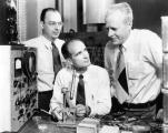 Шокли со колегите во Лабораторијата Бел