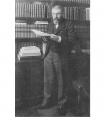 Анри Поанкаре во неговата библиотека