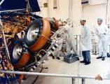 """Конструкцијата на роверот предвидува """"диплење"""" во помал пакет за полесно носење до Месечината."""